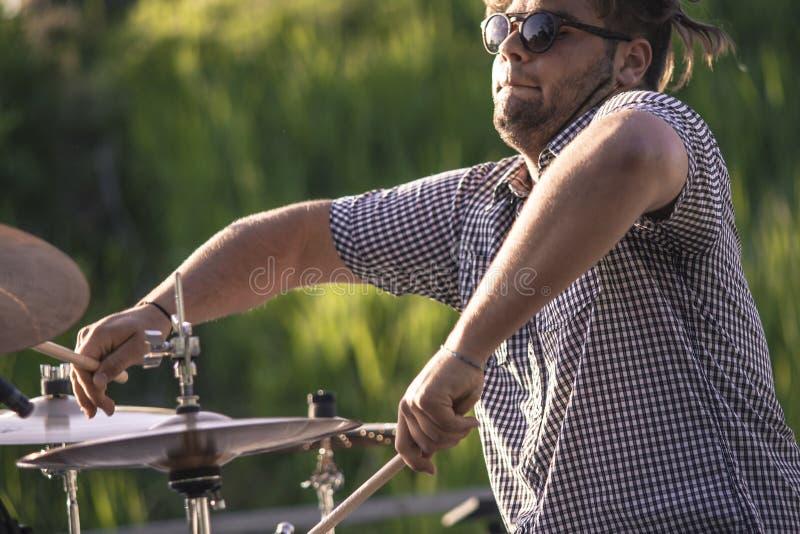 Jogador ativo 3 do baterista fotografia de stock