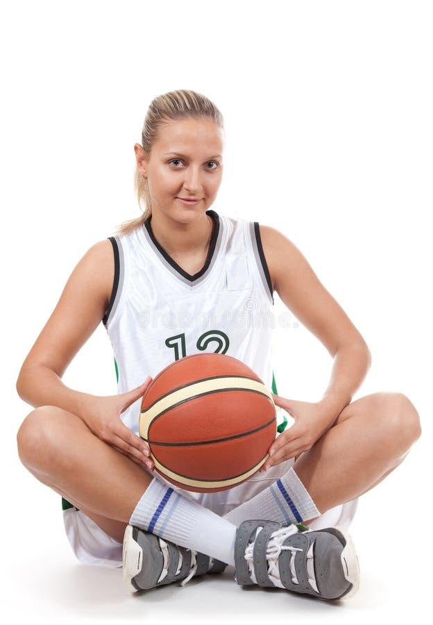 Jogador de basquetebol atrativo com sorriso macio imagens de stock
