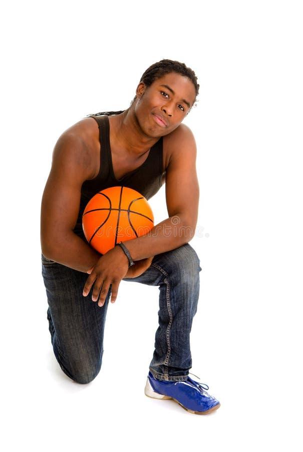 Jogador de basquetebol masculino da rua imagens de stock