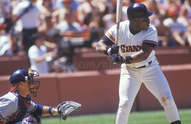Jogador de beisebol profissional K Mitchell acima no bastão, parque do castiçal, CA foto de stock