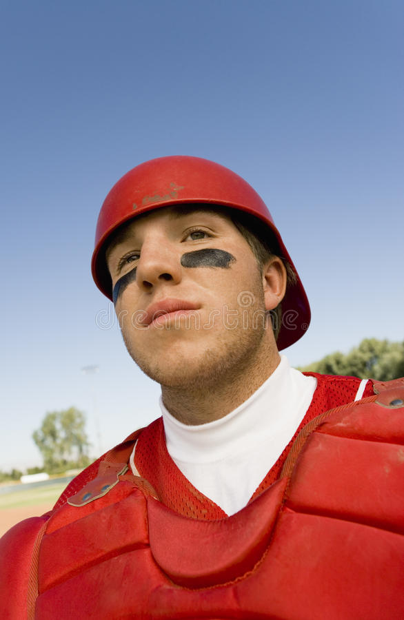 Jogador de beisebol pronto para um fósforo imagem de stock royalty free