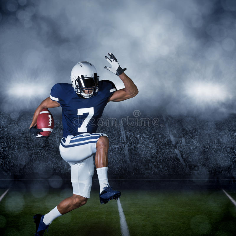 Jogador de futebol americano fotografia de stock royalty free