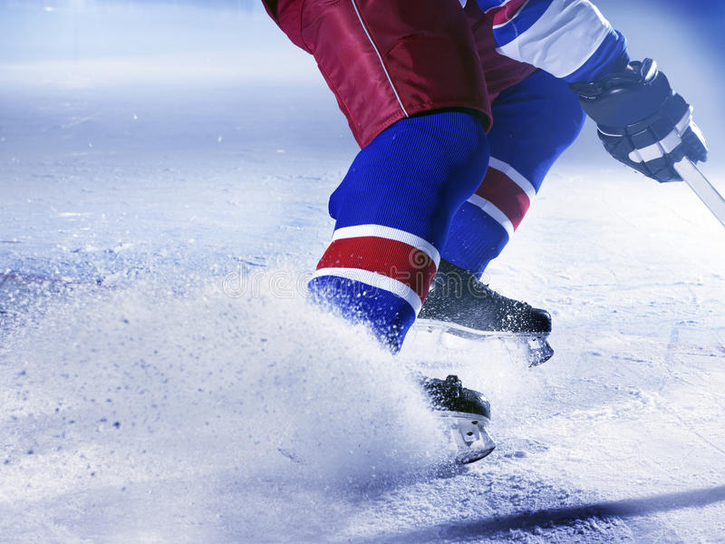 Jogador de hóquei do gelo fotos de stock