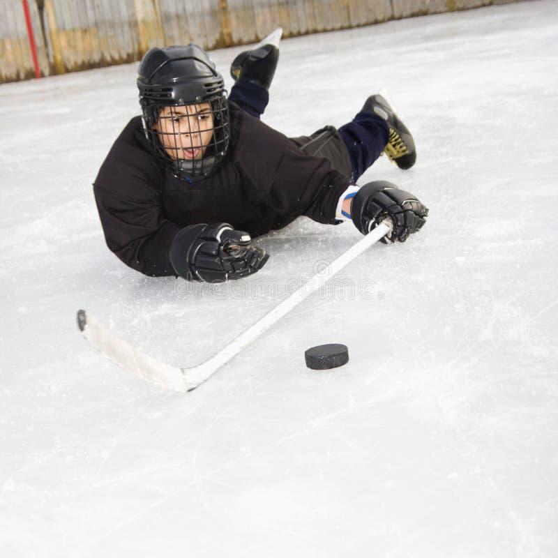 Jogador de hóquei do gelo. fotografia de stock royalty free