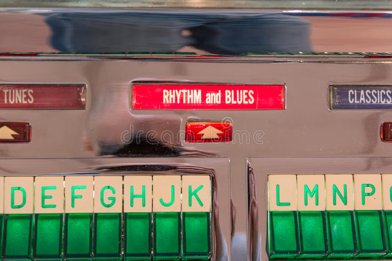 Jogador de registro retro do jukebox do vintage: ritmo e sinal dos azuis fotos de stock royalty free