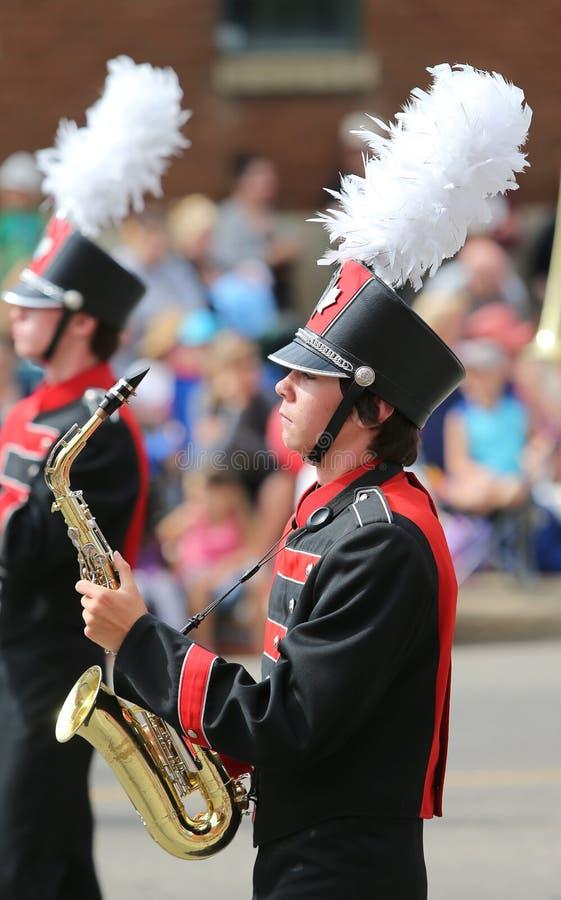 Jogador de saxofone da parada fotos de stock