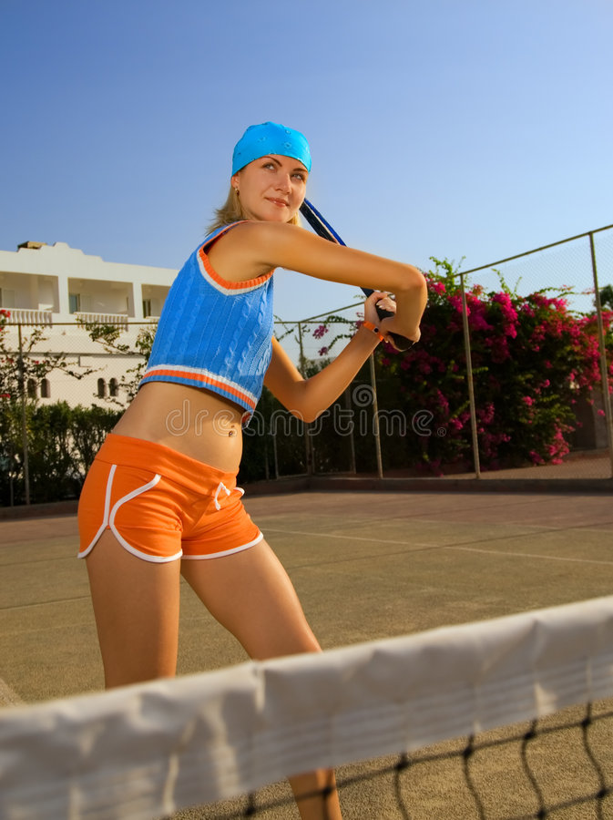 Jogador de ténis bonito foto de stock royalty free