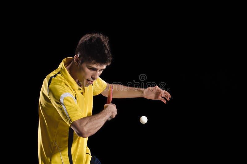 Jogador de tênis de mesa homem do pong do sibilo foto de stock royalty free