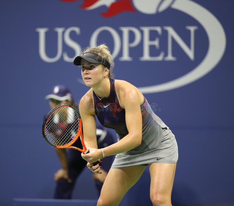 Jogador de tênis profissional Elina Svitolina de Ucrânia na ação durante seu fósforo 4 redondo do US Open 2017 foto de stock