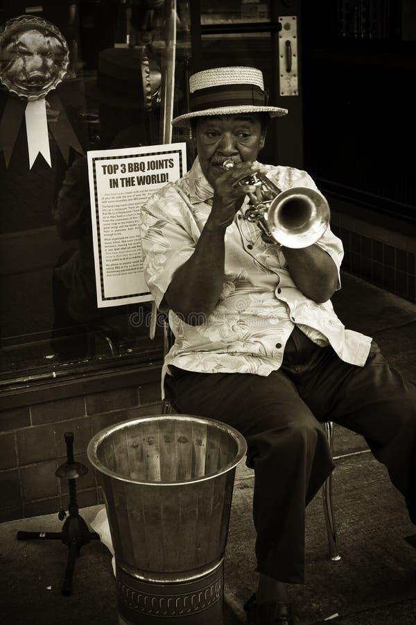 Jogador de trombeta, rua de Beale fotografia de stock royalty free