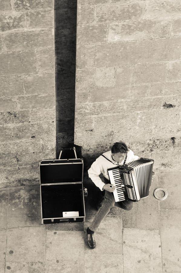 Jogador do acordeão em Valência imagens de stock
