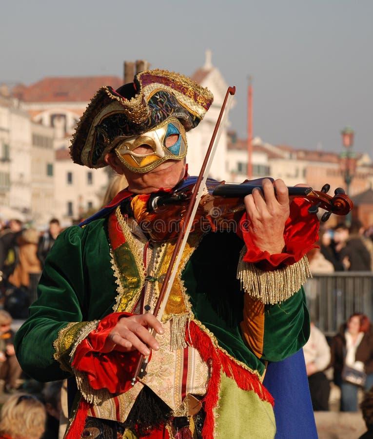Jogador do Fiddle do carnaval fotografia de stock