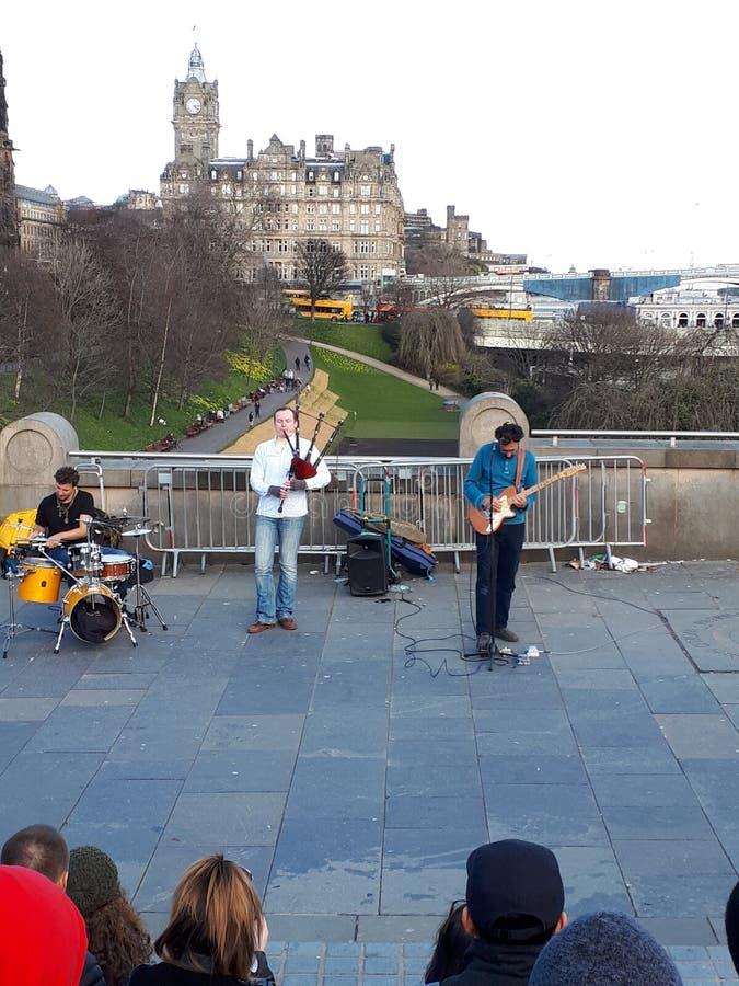 Jogadores da gaita de fole em Edimburgo foto de stock