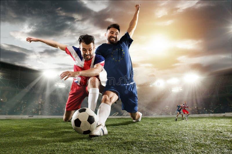 Jogadores do futebol ou de futebol coloridos em Reino Unido e em bandeiras europeias da unidade fotografia de stock royalty free