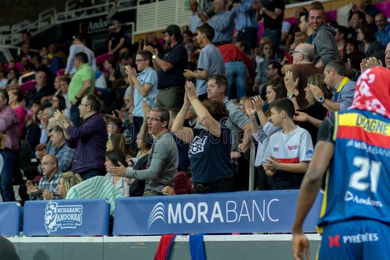 Jogadores na ação na harmonia de Liga Acb Endesa entre Mora Banc Andorra BC e Herbalife Gran Canaria, contagem final 99 - 85, em  foto de stock royalty free