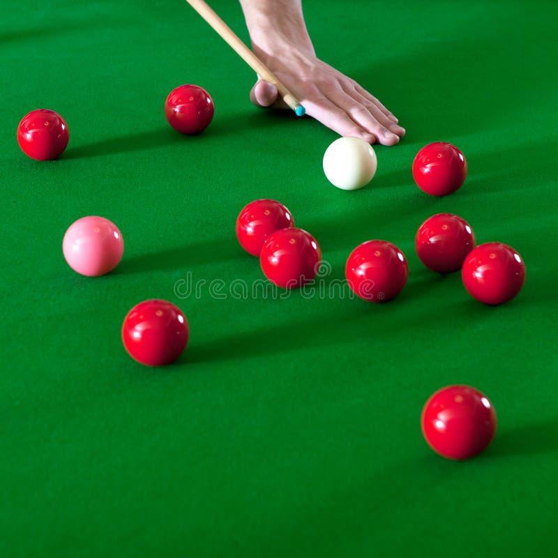 Jogando o snooker imagem de stock royalty free