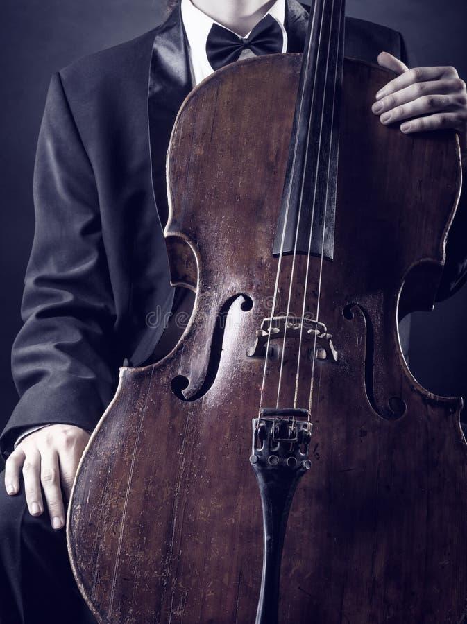 Jogando o violoncelo foto de stock royalty free
