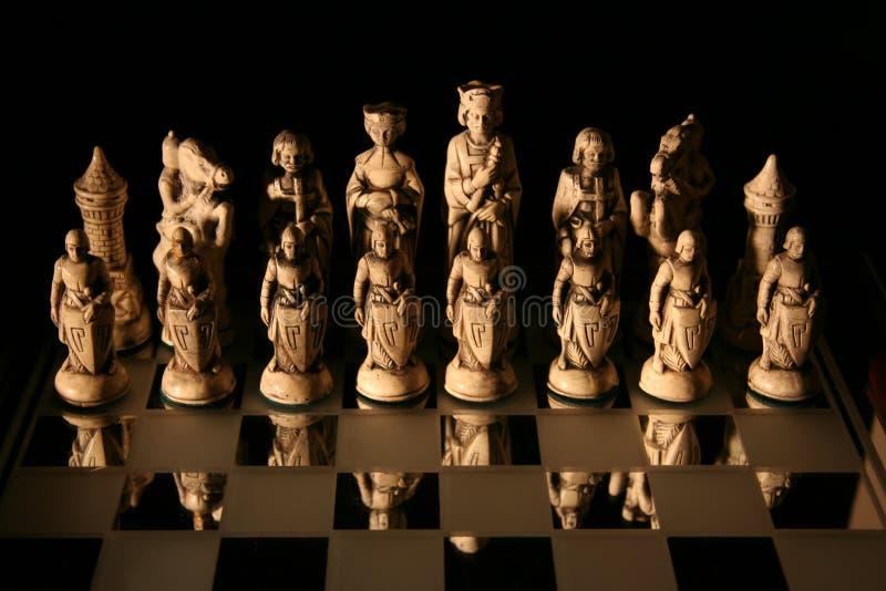 Jogando a xadrez foto de stock royalty free