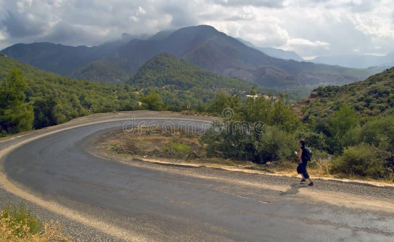 jogger οδικό serpentine βουνών στοκ φωτογραφίες
