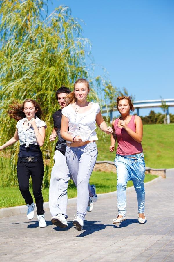 jogging έφηβοι στοκ εικόνες
