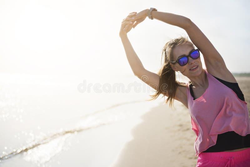 Jogging από τη γυναίκα στοκ εικόνες