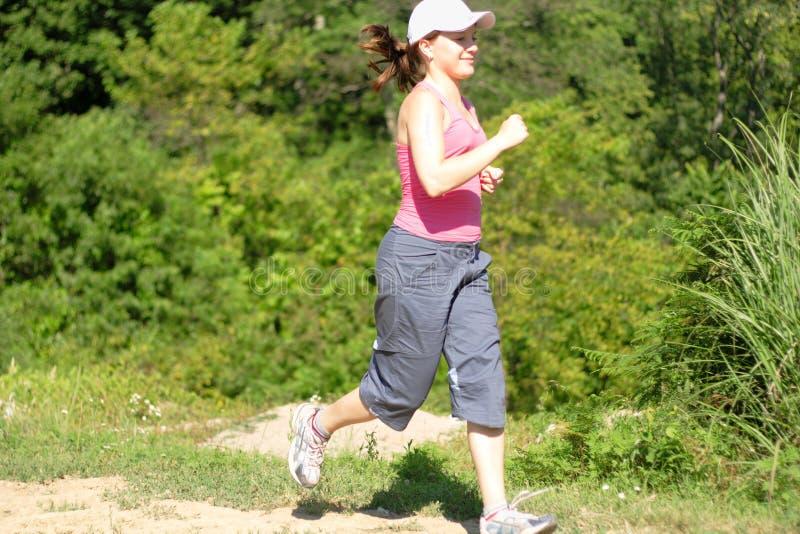 jogging женщина природы стоковые изображения rf