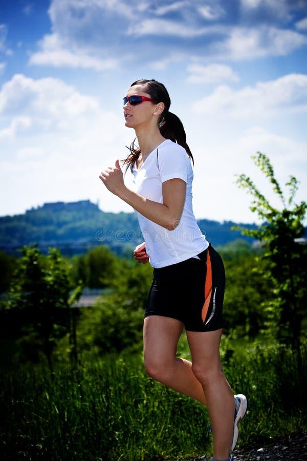 Jogging женщина стоковое изображение