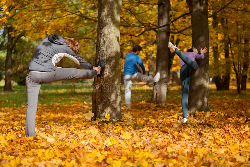 Jogging - rozgrzewkowy up zdjęcie stock