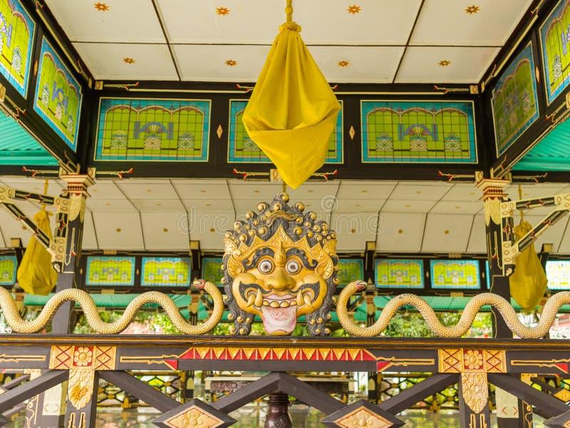 JOGJA, INDONÉSIE - 12 août, 2O17 : Vue d'intérieur d'un extructure de dragon à l'intérieur d'un bâtiment au palais de l'eau de Ta images stock