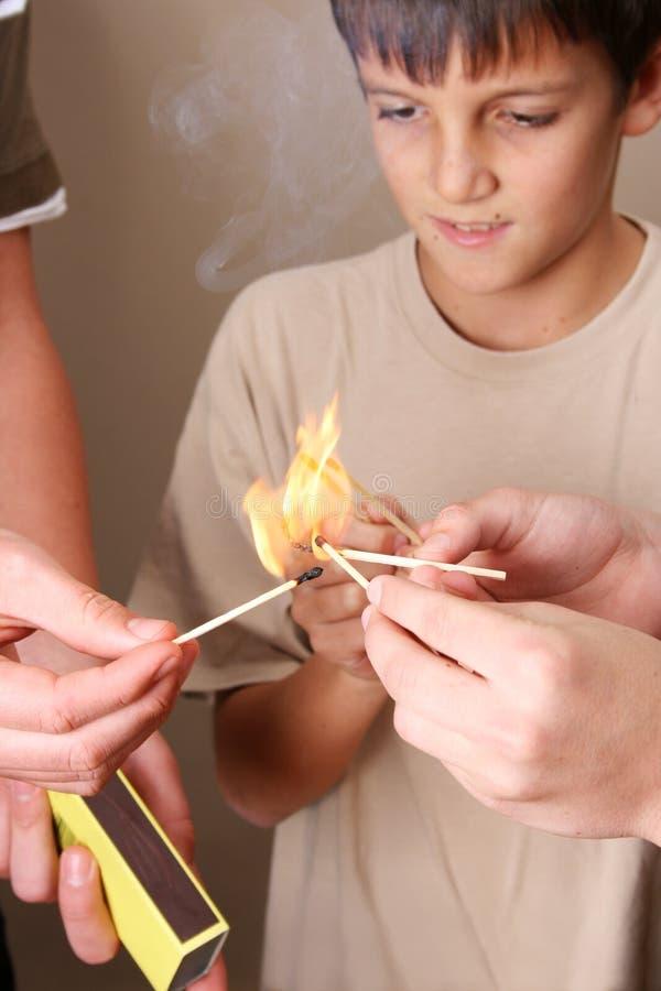 Jogo com incêndio fotos de stock