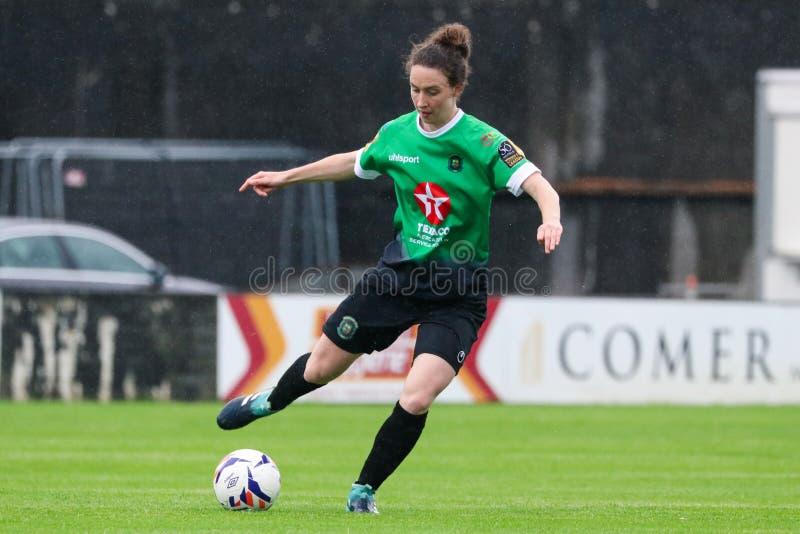 Jogo da liga nacional das mulheres: Galway WFC contra Peamount uniu-se fotografia de stock royalty free