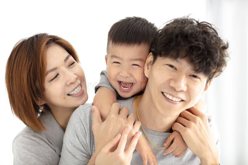 jogo da mãe, do pai e da criança da família foto de stock royalty free
