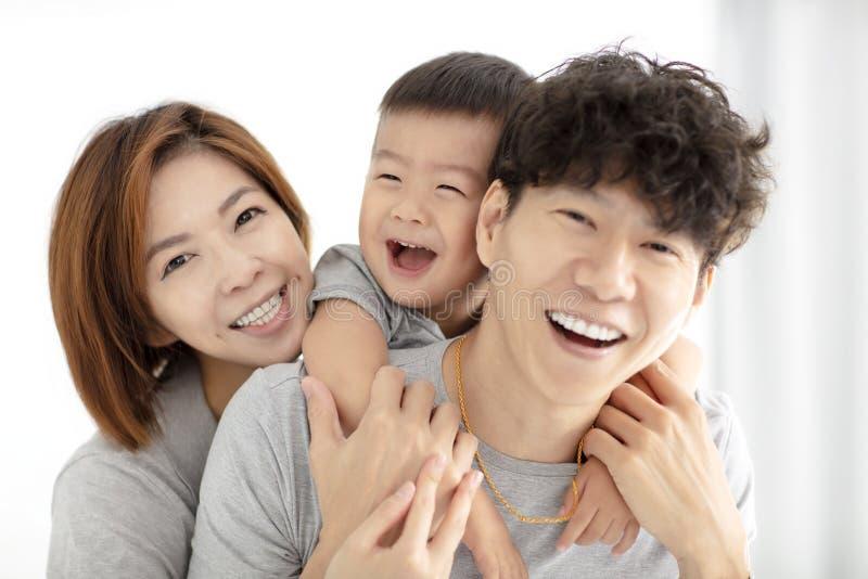 jogo da mãe, do pai e da criança da família imagens de stock