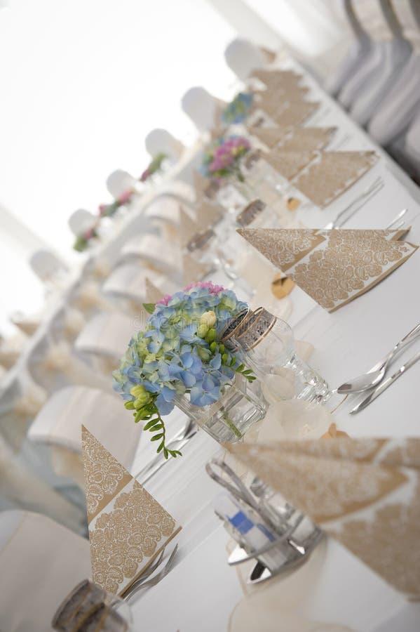 Jogo da tabela do casamento imagens de stock royalty free