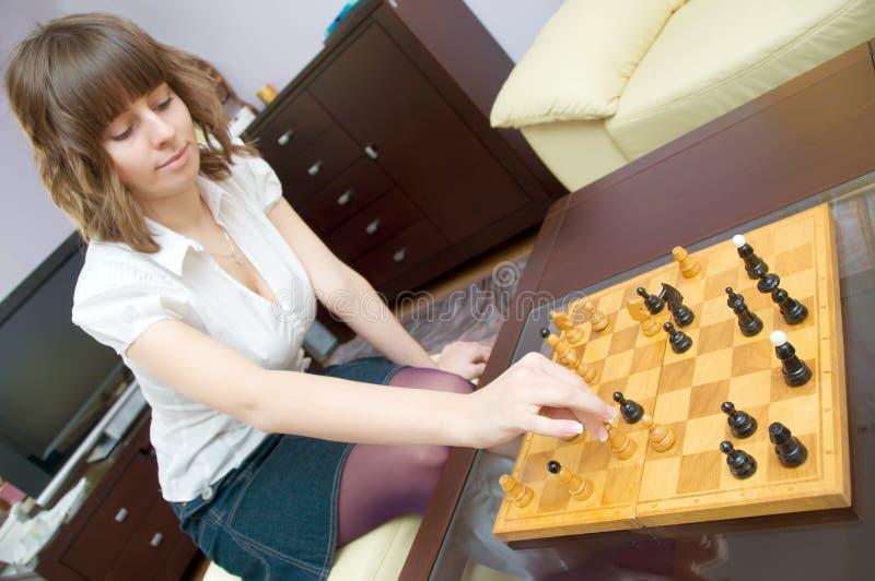 Jogo da xadrez em casa fotografia de stock