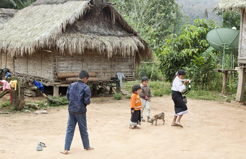Jogo das crianças de Laos fotos de stock royalty free