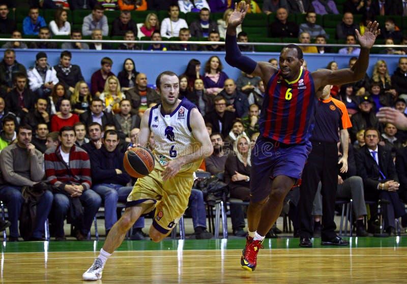 Jogo de basquetebol Budivelnik de Euroleague Kyiv contra o FC Barcelona foto de stock royalty free
