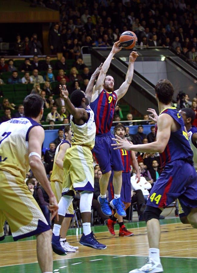 Jogo de basquetebol Budivelnik de Euroleague Kyiv contra o FC Barcelona imagem de stock royalty free