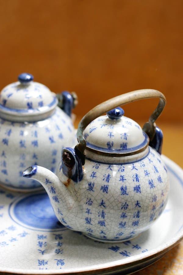 Jogo de chá asiático da cerâmica. imagens de stock royalty free
