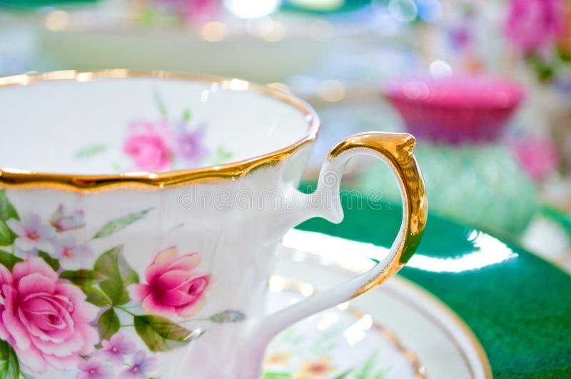 Jogo de chá floral antigo imagem de stock