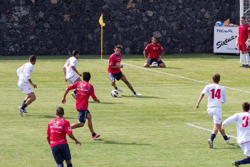 Download Jogo de futebol foto de stock editorial. Imagem de esporte - 26500838