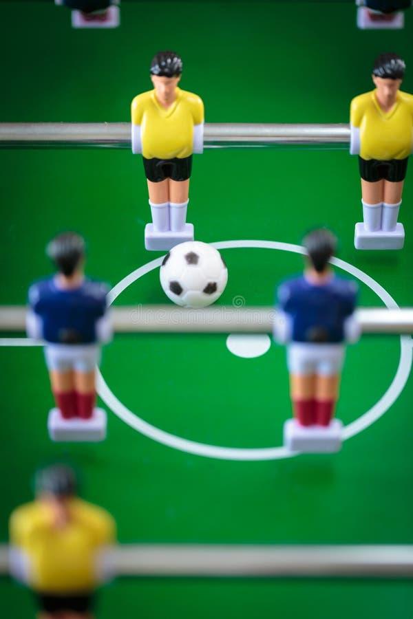 Jogo de futebol do retrocesso imagens de stock royalty free