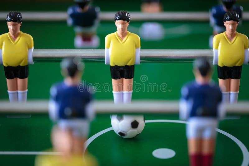 Jogo de futebol do retrocesso fotografia de stock royalty free