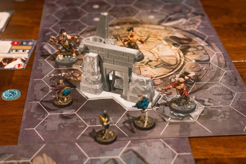 Jogo de mesa com miniaturas fotografia de stock royalty free
