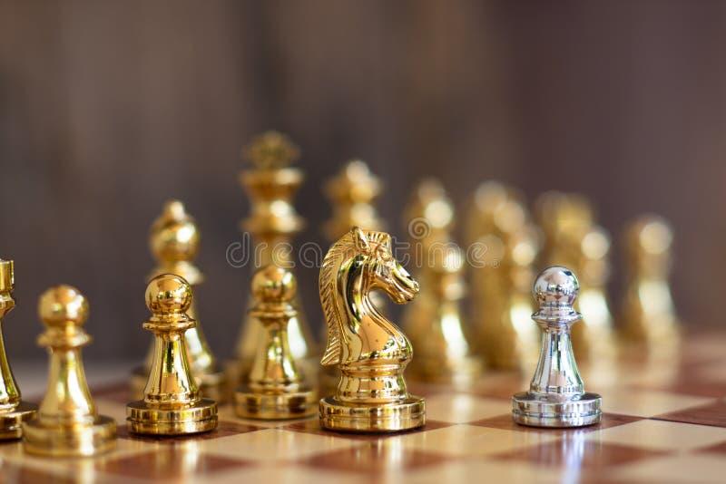 Jogo de mesa da xadrez, conceito competitivo do negócio fotografia de stock