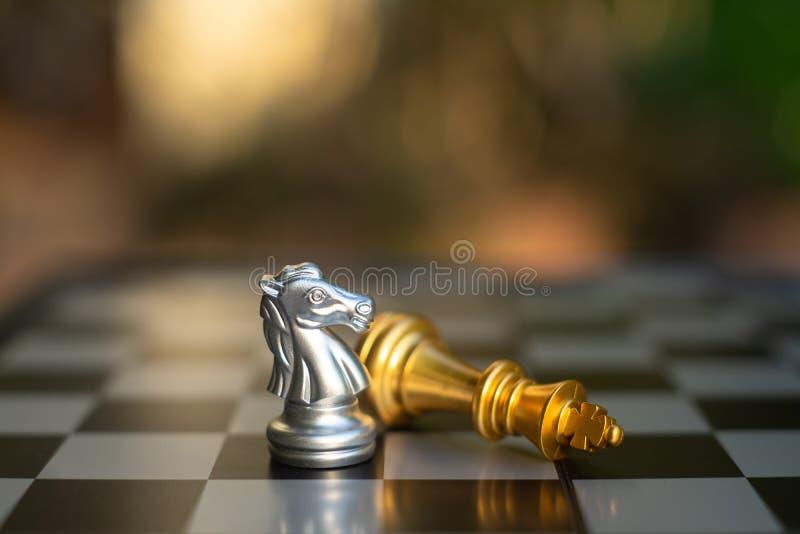 Jogo de mesa da xadrez, conceito competitivo do negócio imagem de stock royalty free
