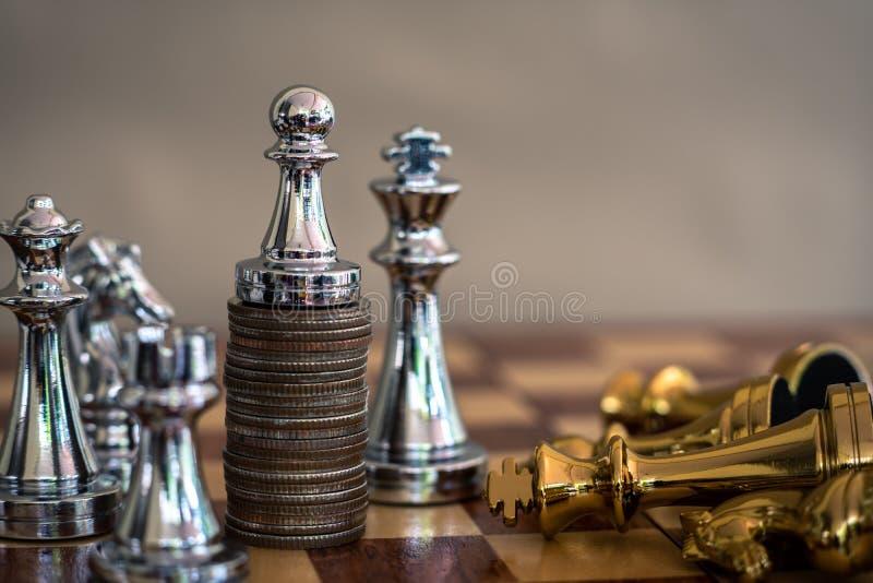 Jogo de mesa da xadrez, conceito competitivo do negócio foto de stock royalty free