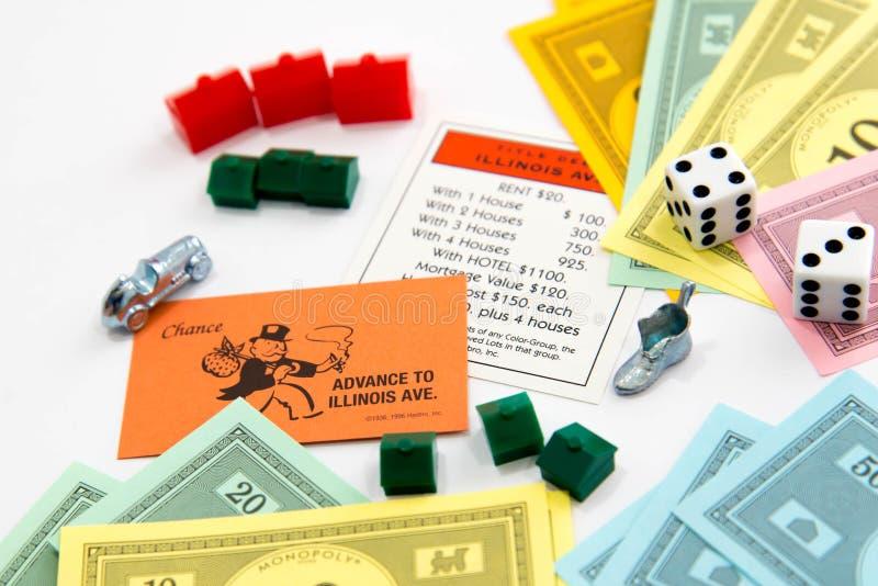 Jogo de mesa do monopólio no jogo imagens de stock royalty free