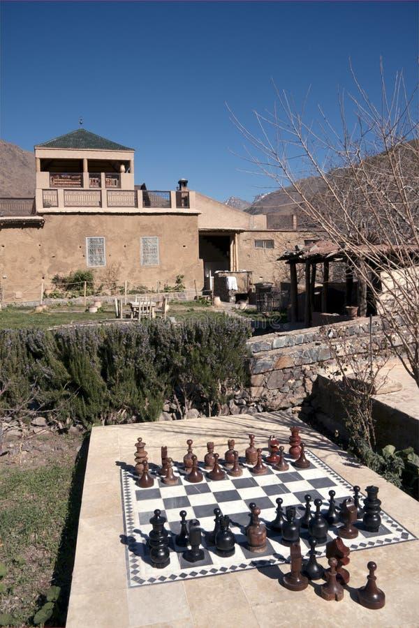 Jogo de xadrez gigante, Kasbah du Toubkal, Marrocos imagem de stock