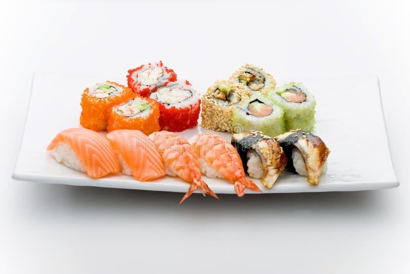 Jogo do sushi diferente e de tipos maky imagens de stock royalty free